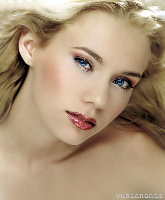 [En cours] Une bannière pour la blondinette 2693368-lg-2ab193b